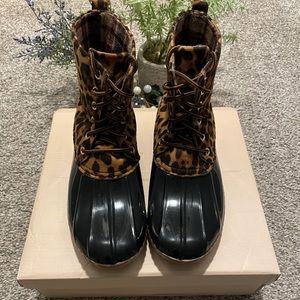 Leopard duck boots